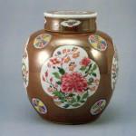 도 30. <褐釉粉彩牡丹紋共壺>, 清 18세기, 높이 24.1㎝, Topkapi palace